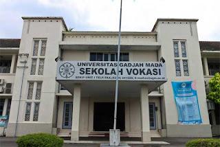 http://www.lokernesiaku.com/2012/08/lowongan-tenaga-pendidik-d3-hukum.html
