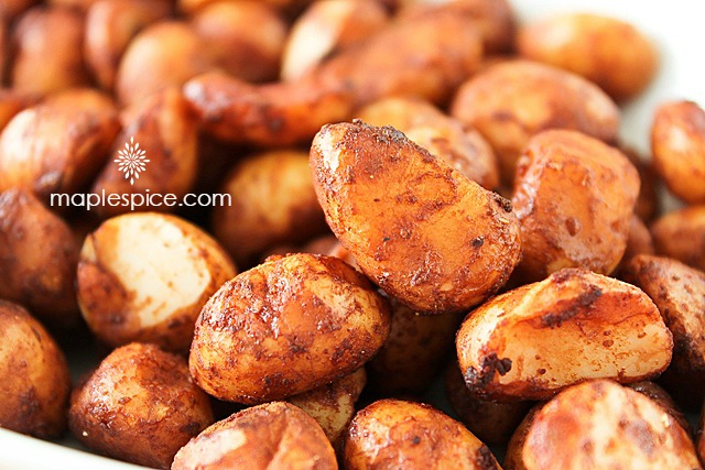 Tamari Roasted Macadamia Nuts - vegan and gluten-free recipe with no added oil.