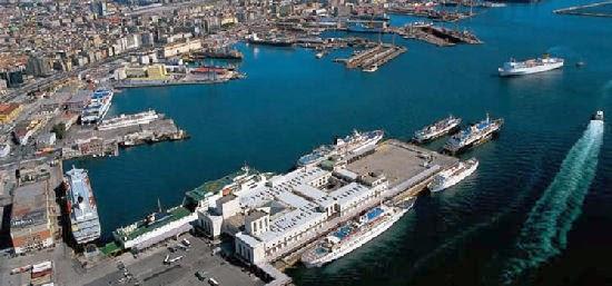 Contro lo stato di abbandono del Porto di Napoli