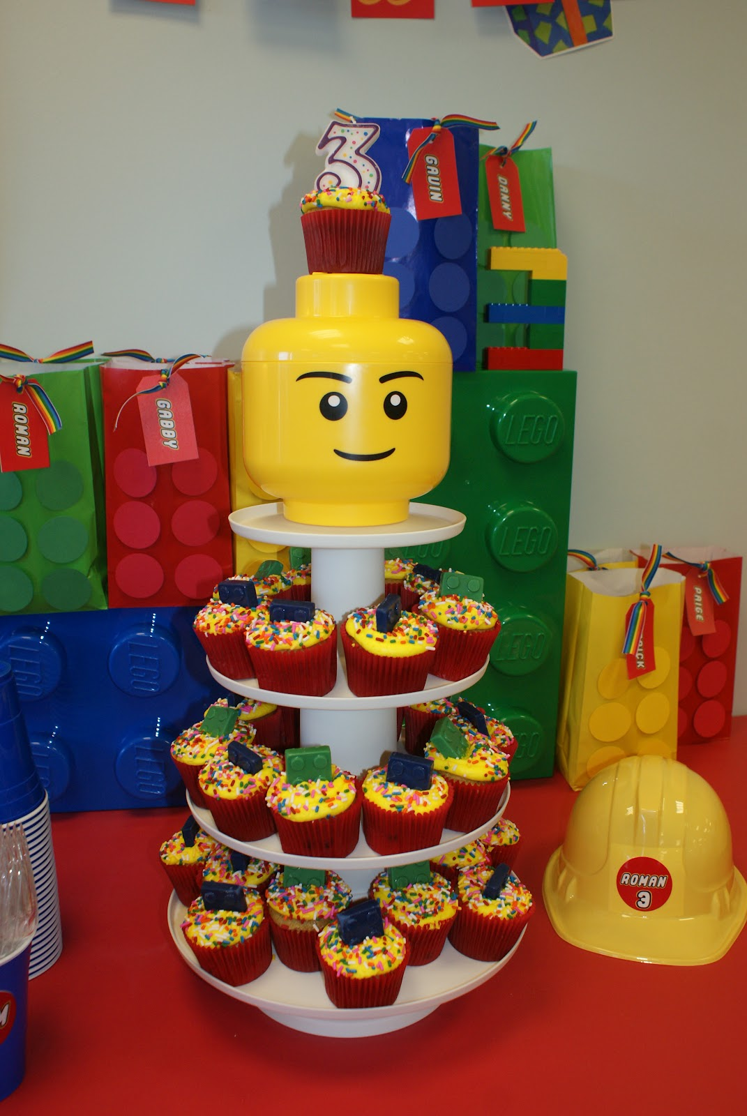how to build a lego cake stand