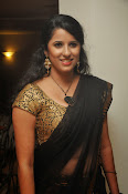 Sravya reddy sizzling saree photos-thumbnail-10
