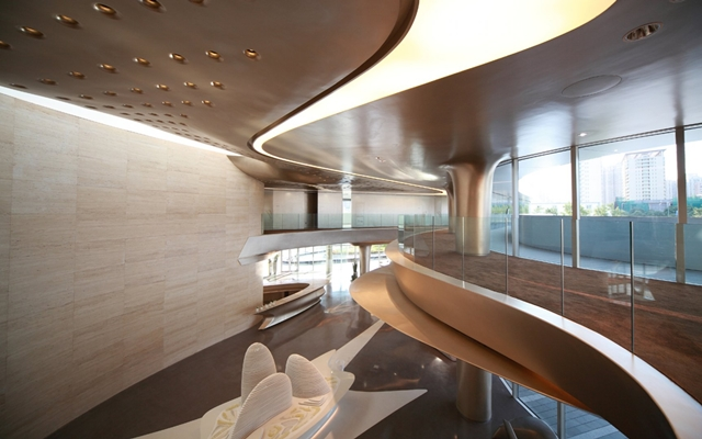 Wangjing soho office and retail complex in beijing by for Modern retail building design