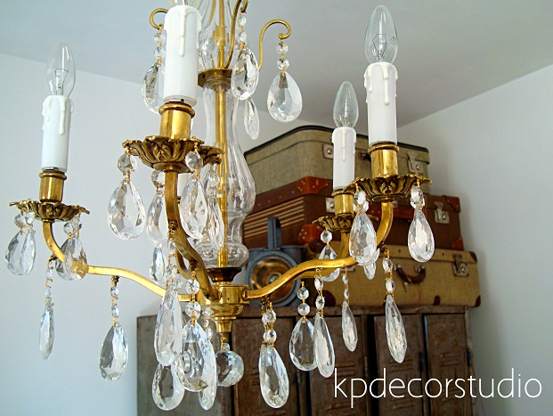 Comprar lámpara de latón y bronce con lágrimas de cristal y velas antiguas