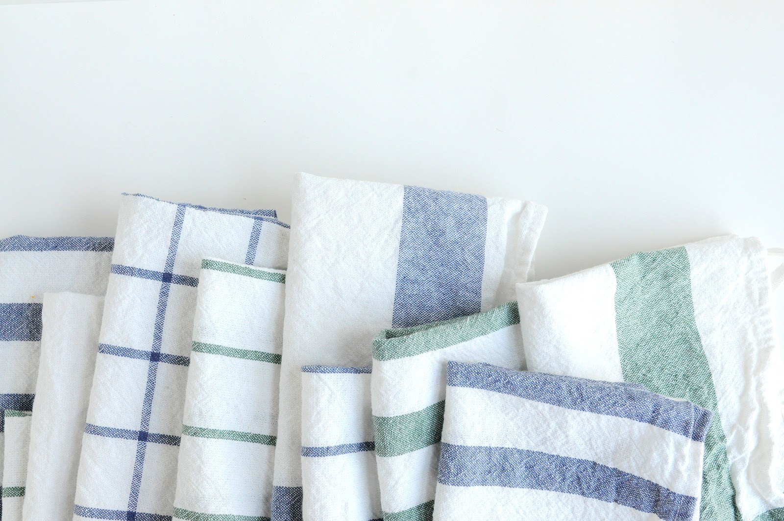 diy: easy cloth napkins from ikea dish towels