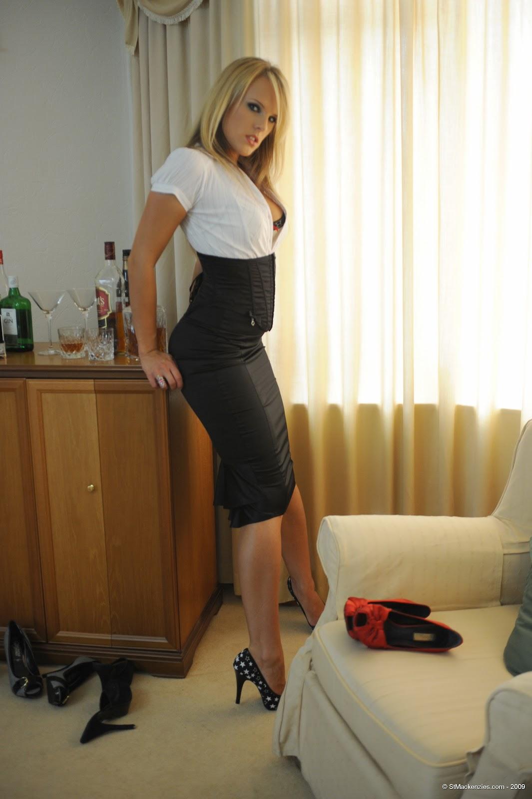 Эротические фото деловых женщин
