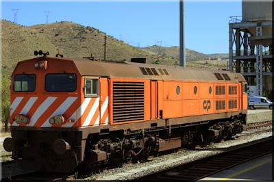 http://chemins-de-fer-portugais.fr.gd/Locomotives-Diesel-S-e2-rie-1960.htm