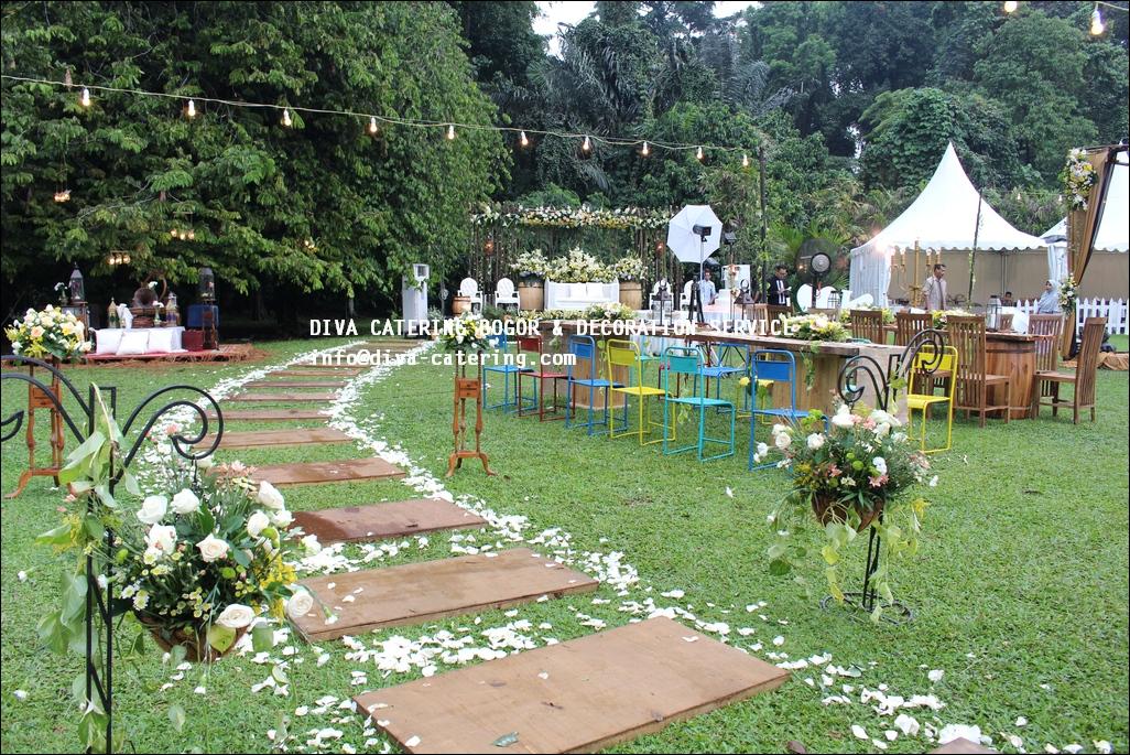 Rustic wedding decoration kebun raya bogor diva catering bogor wedding outdoor di kebun raya bogor diva catering diva decoration junglespirit Images