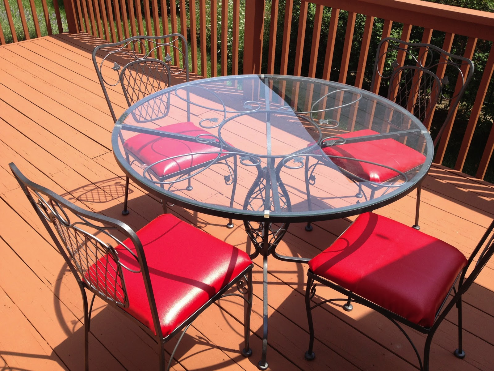 Reupholster And Repaint Patio Furniture With Rustoleum Universal Metallic  Paint