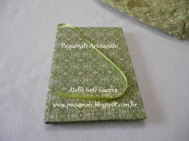 Caderno forrado com tecido e marcador de página