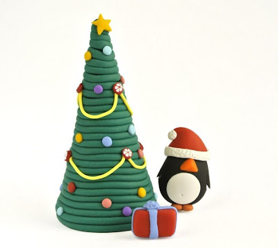http://thelittlecreatures.wordpress.com/2013/11/18/christmas-tree-tutorial-tutorial-de-arvore-de-natal/