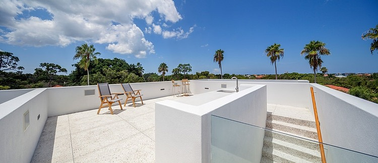 Rooftop terrace on Spencer House by Guy Peterson from Office for Architecture, Florida
