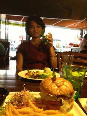 Sandwiches and Burgers of Incognito Pune