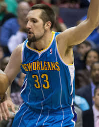 What is the height of Ryan Anderson?