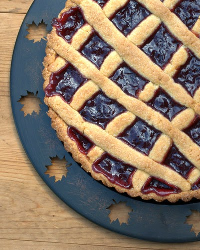 Easy-Easy Jam Tart ♥ KitchenParade.com, food processor crust + jam = an amazing tart in 15 minutes! WW7