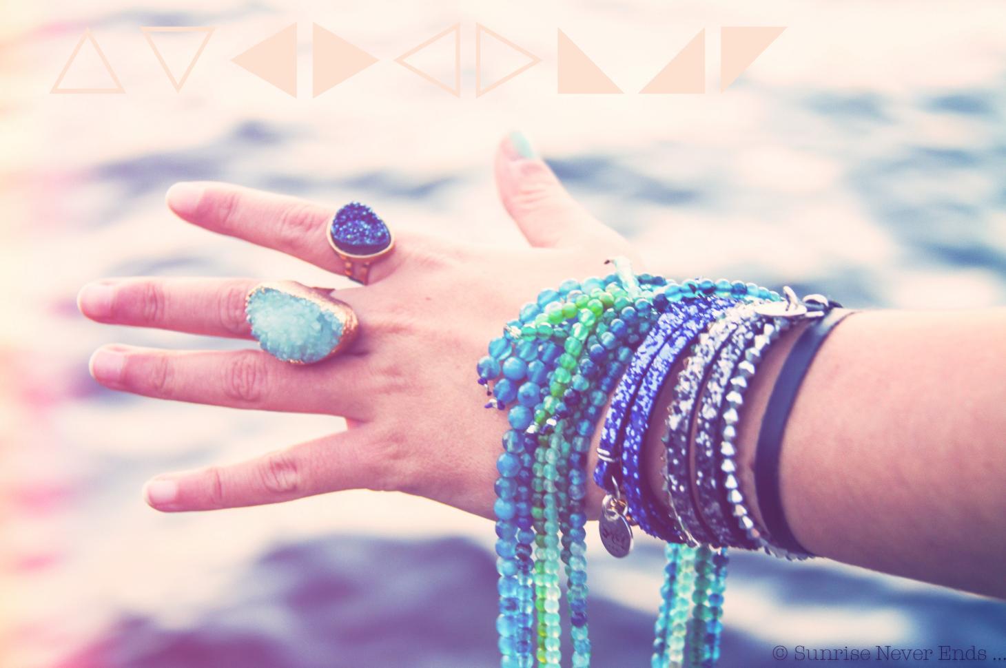 stones spirit,photo shooting,mode,cassis,la méricaine,cape,poncho,ateliers de sathyne,bijoux,hippie,new age,bensimon,sunrise never ends