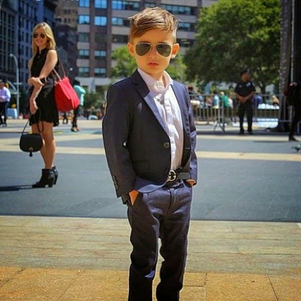 Foto gambar anak laki-laki dengan style fashion yang tinggi