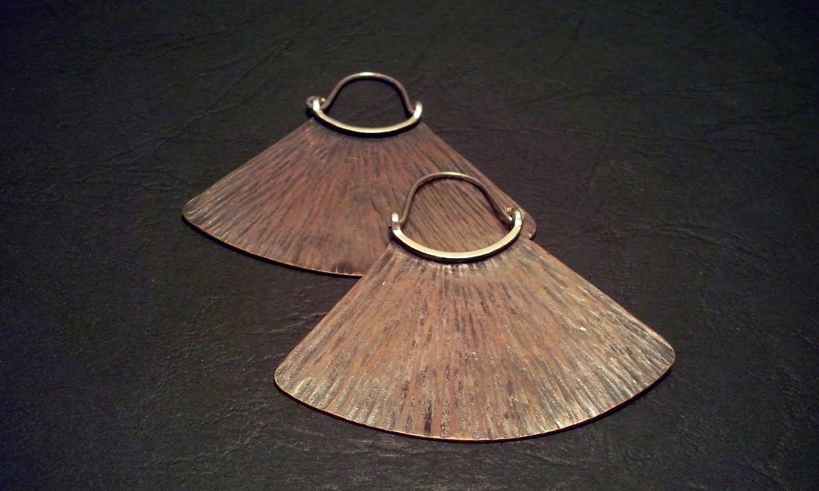 Aros cobre texturado y envejecido y plata (304)