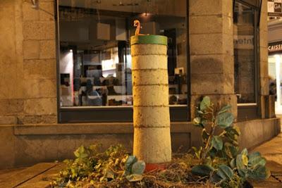 street art_sculpture_colonne en terre crue_rue de la parcheminerie_rennes