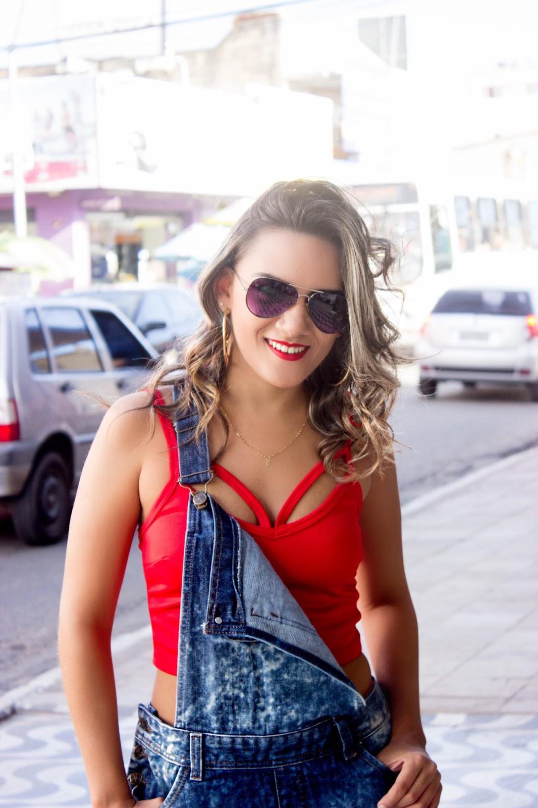 Populares Look do Dia: Jardineira Jeans + Cropped Strappy Bra - Pauline  XC73