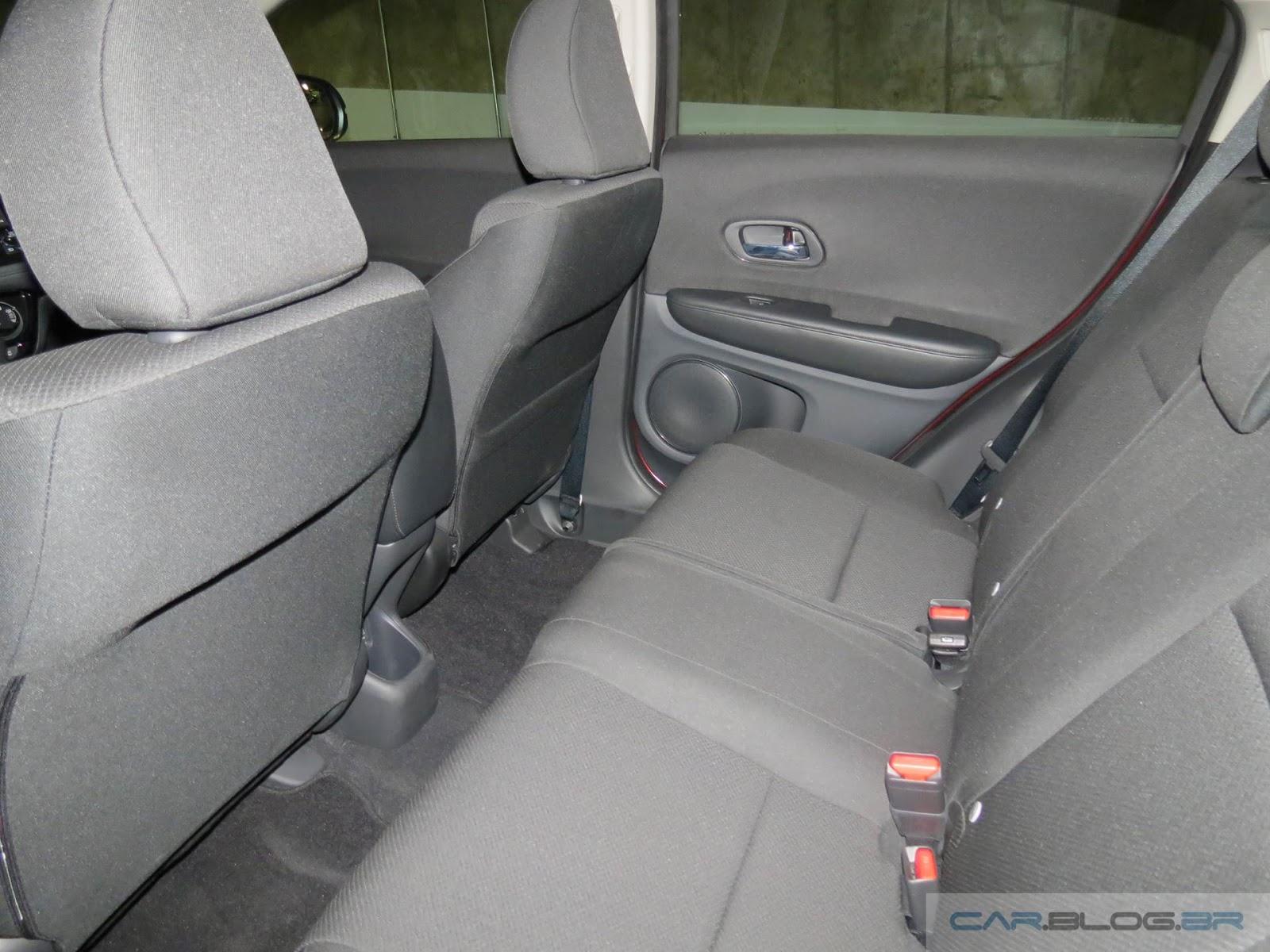 Honda HR-V EX - espaço traseiro