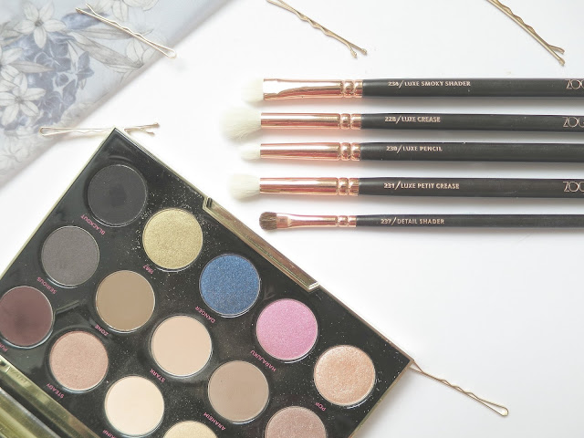 Perfect Brush and Beauty Matches urban decay gwen stefani eye shadow palette zoeva rose gold set