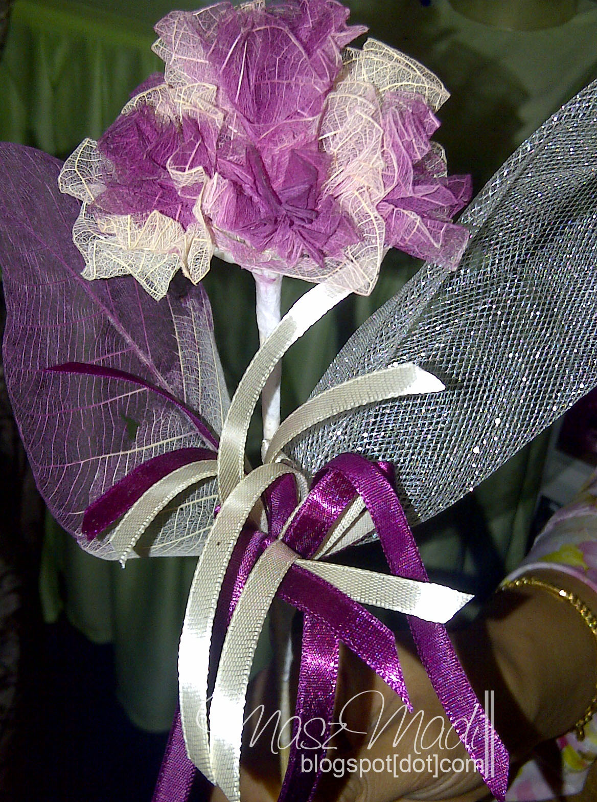 Bunga Daun Getah Jambak