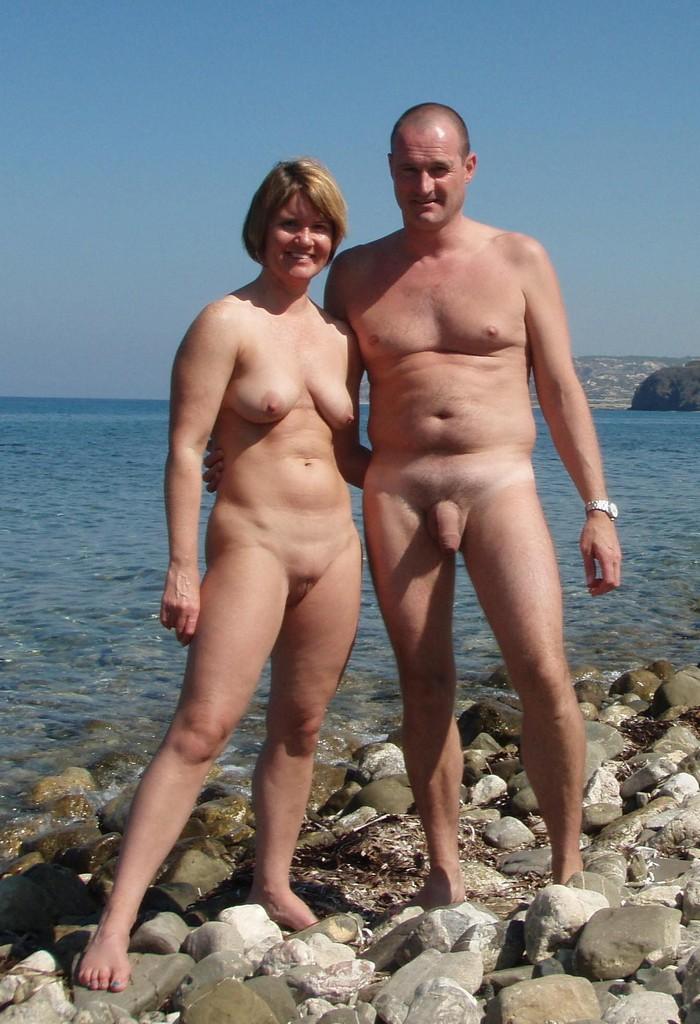 фото семья на нудистском пляже