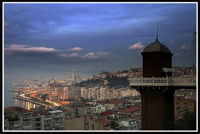 Evde Oturamayanlar Kulübü: İzmir Tarihi Asansör