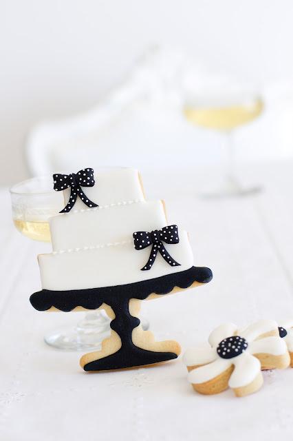 Cookie pastel de boda en cake stand