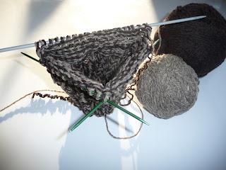 jak zrobić piętę na drutach