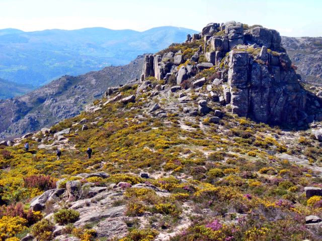 Promontório de rochas