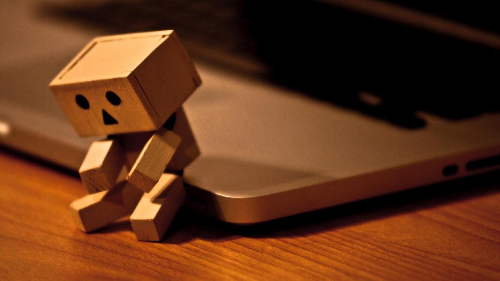 http://1.bp.blogspot.com/-nGomG_C48Ik/UB56vxoE3FI/AAAAAAAAFB4/NbU0F4-SjqE/s1600/Sad_Danbo_Wallpaper_5.jpg