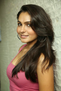 Andrea Jeremiah looks so cute in Pink Tank top at Uttama Villain movie Release Date Press Meet Spicy Pics