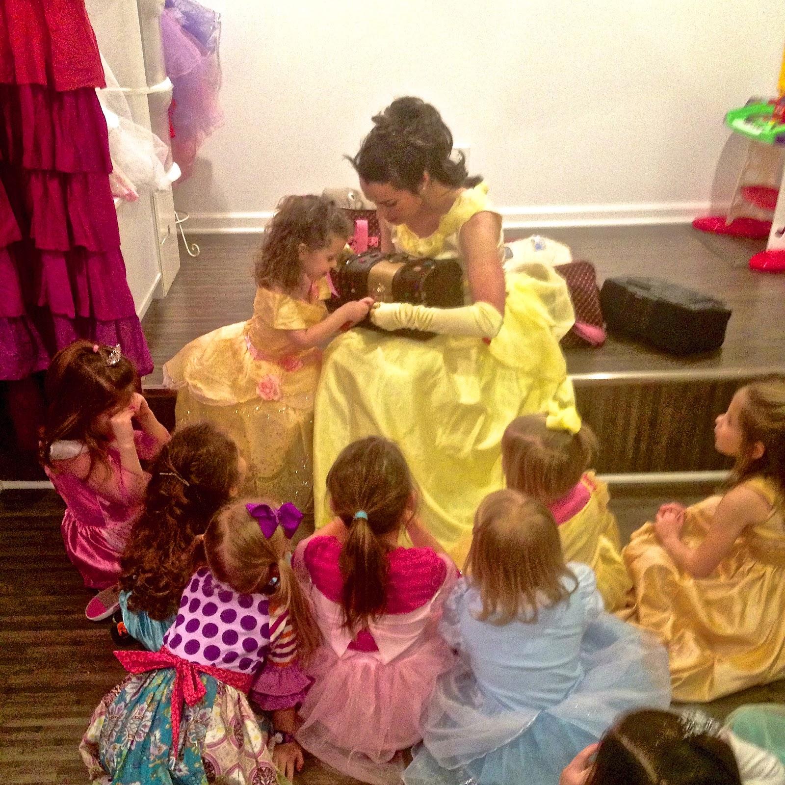 DELIGHTFUL MOM STUFF: Sunday Recap: Izzy's 4th Birthday Party!