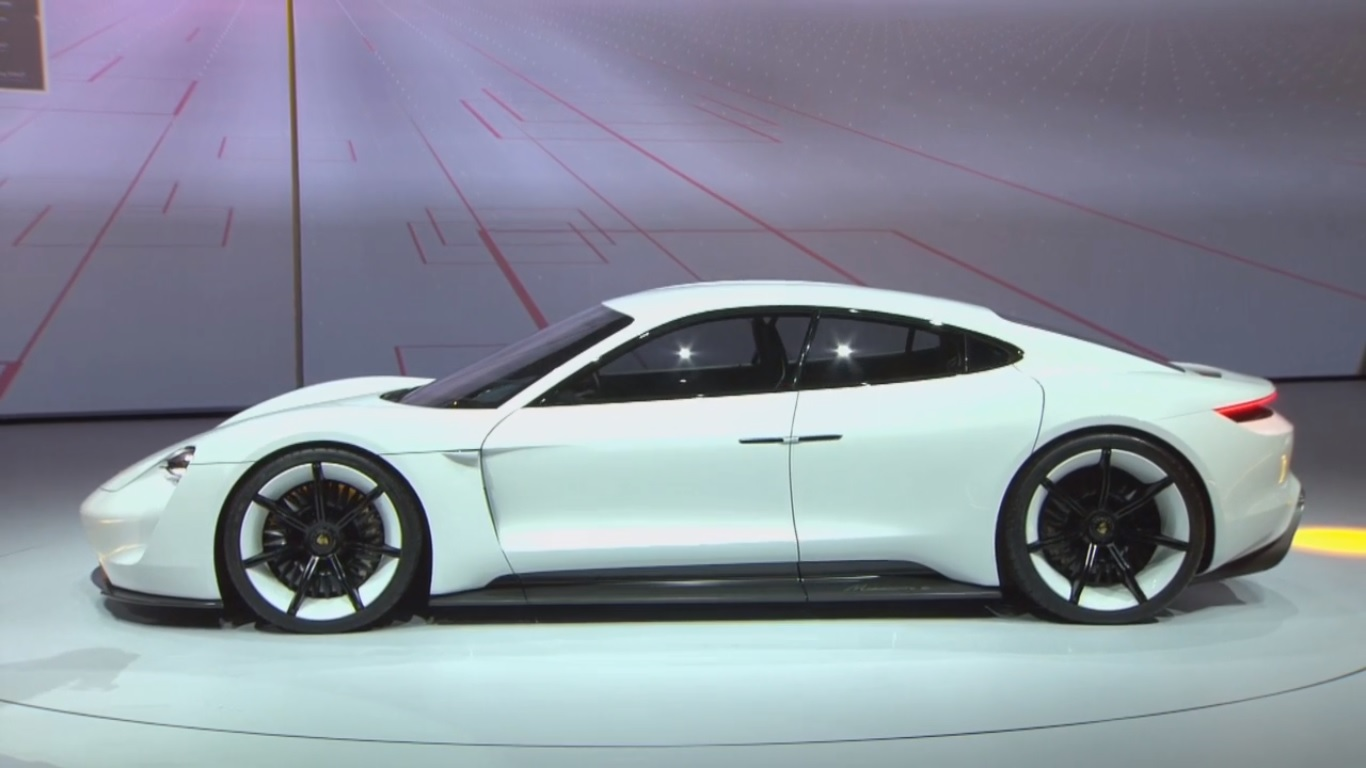Spectacular All Electric Porsche Mission E Concept Eyes