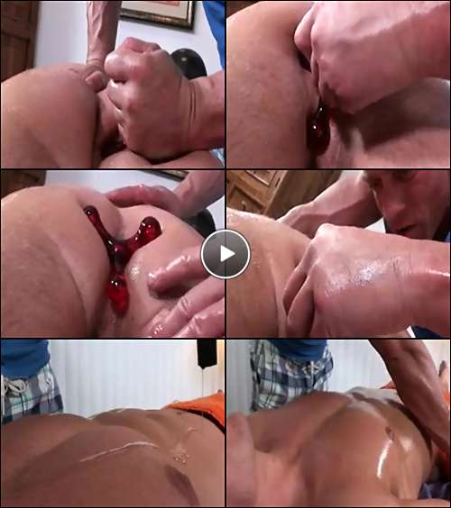 Guy sucking his own ten inch dick and then he cums in