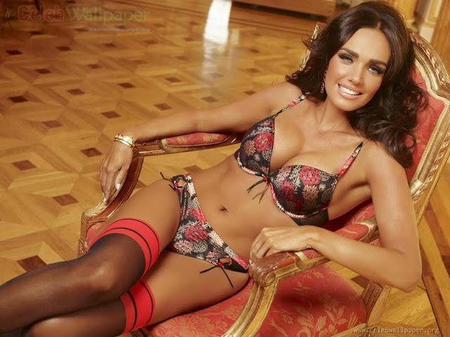 Tamara Ecclestone sexy in lingerie