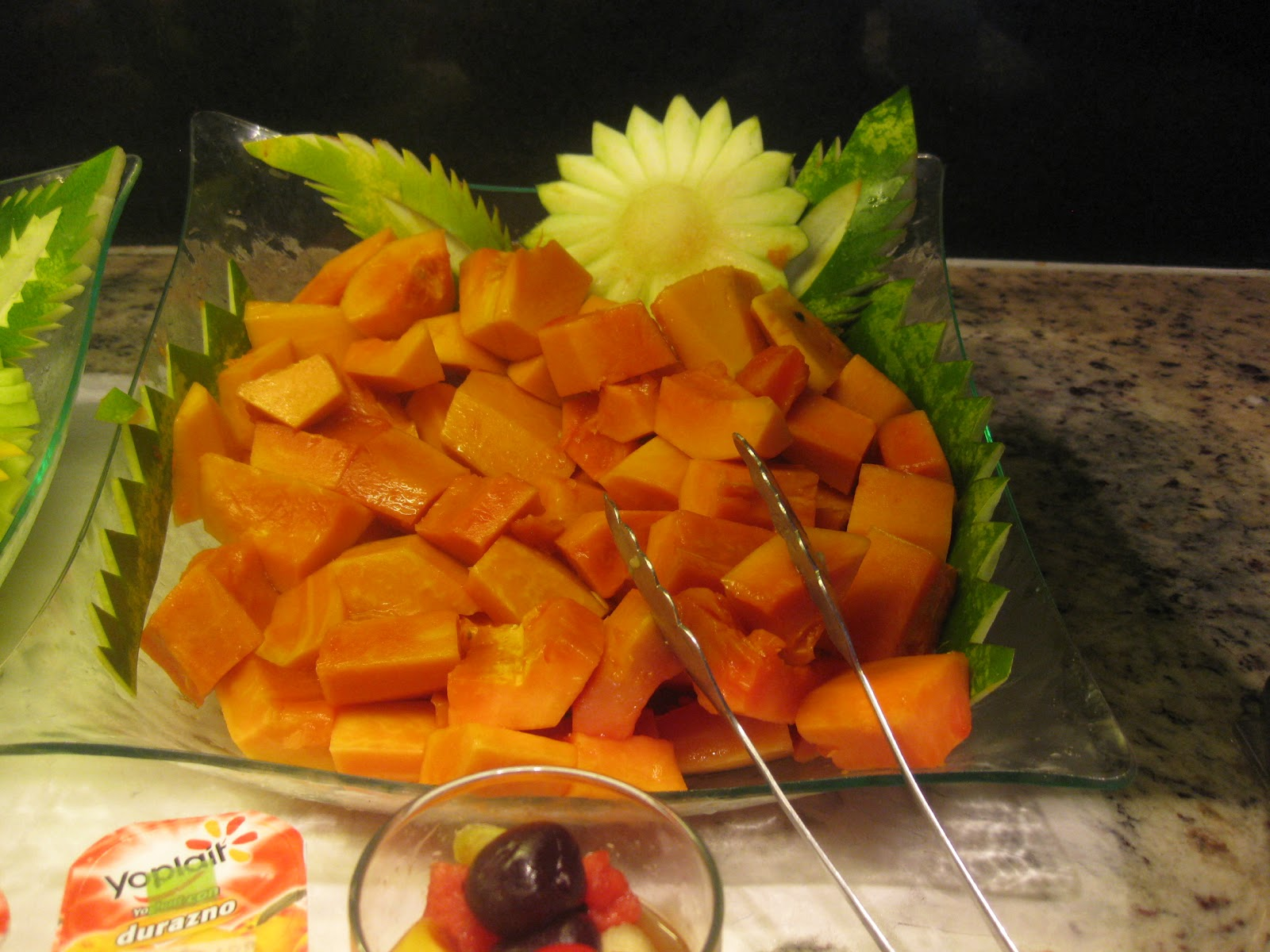 bowl of cut up papaya