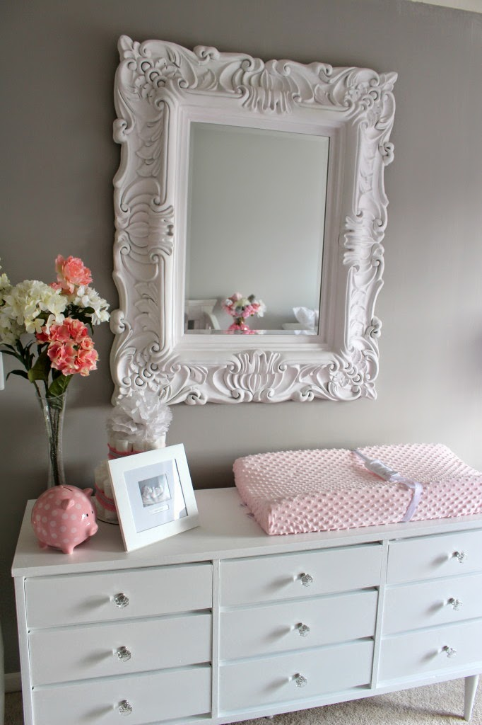 1000 ideas about grey white nursery on pinterest white nursery nursery and nursery mirror. Black Bedroom Furniture Sets. Home Design Ideas