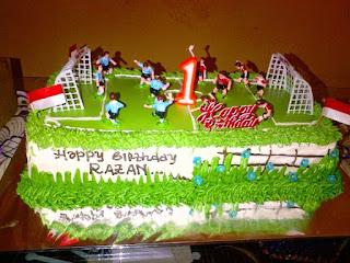 Inspirasi Kue Ulang Tahun Anak Laki-Laki Tema Lapangan Bola