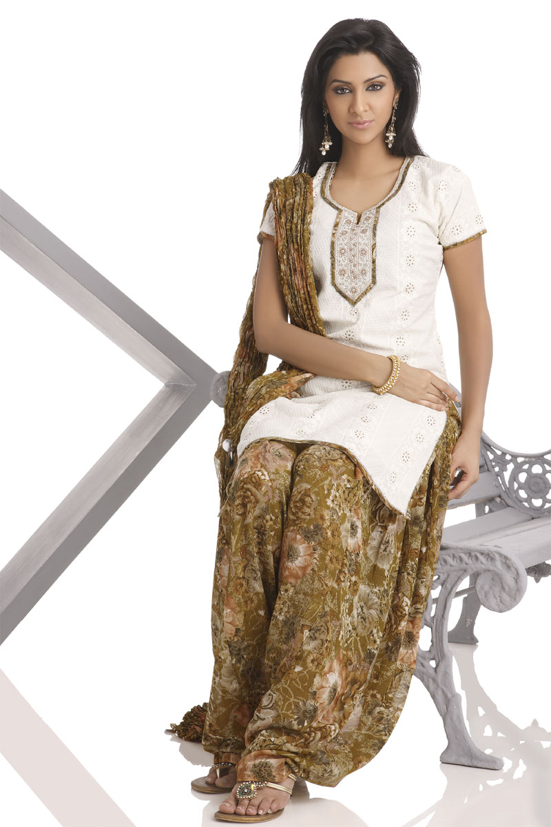 Latest Fashion In Salwar Kameez Punjabi | Beautiful Collections