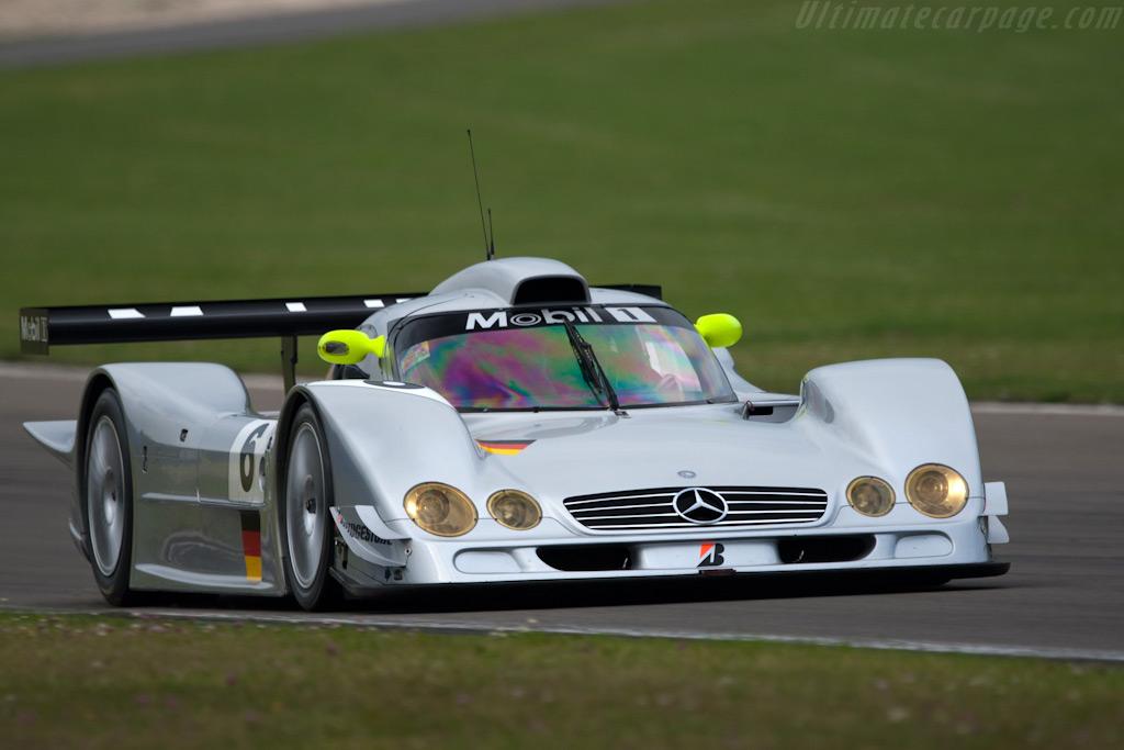 Mercedes-Benz-CLR_1.jpg