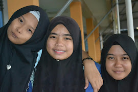 Le Three Of Us