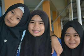 Le Three Of Us