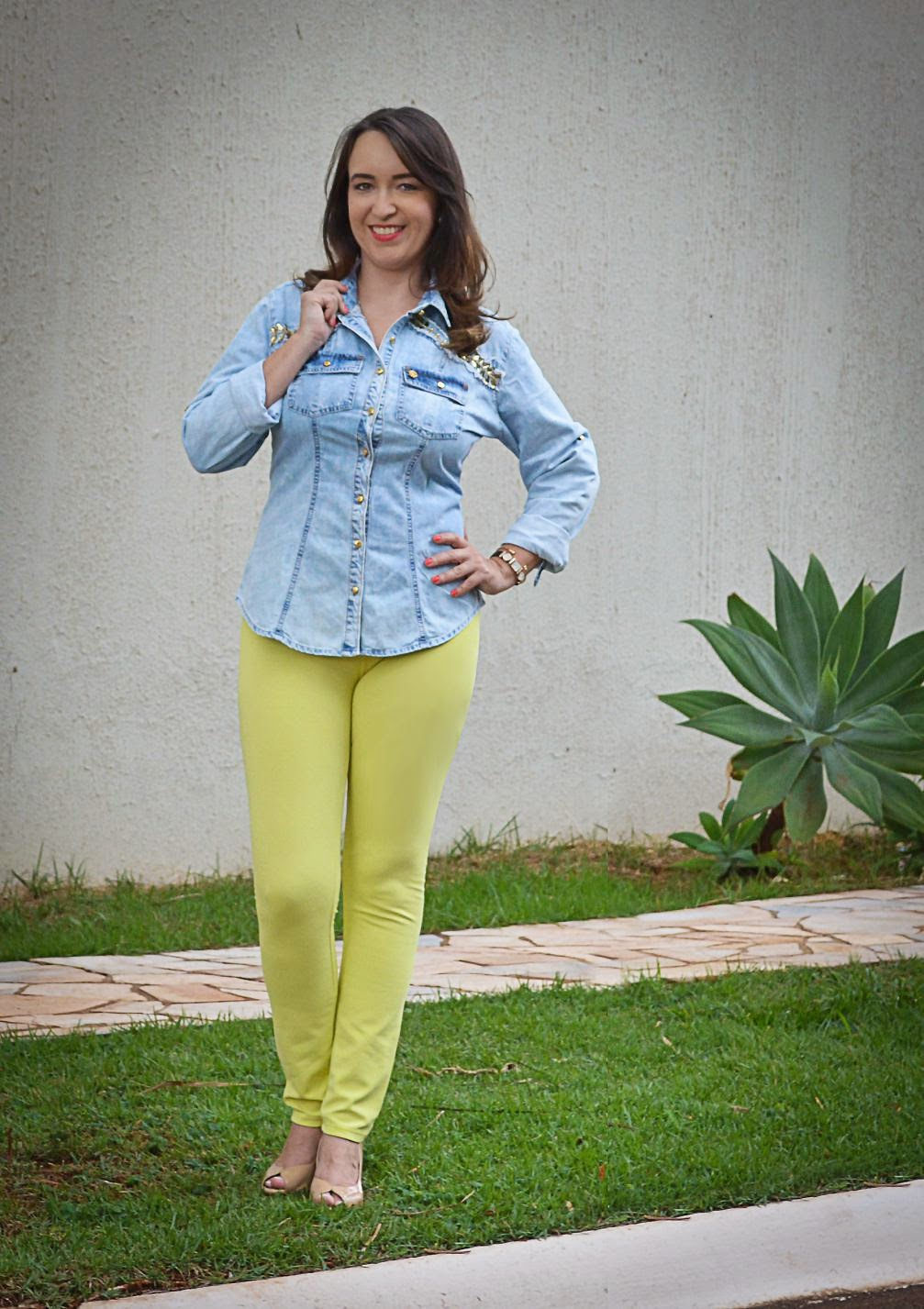 trend alert, cor neon, tendência verão 2015, como usar a cor neon, look do dia, camisa jeans, como usar camisa jeans, blog de moda em ribeirão preto, fashion blogger, blog camila andrade, look do dia, du jour