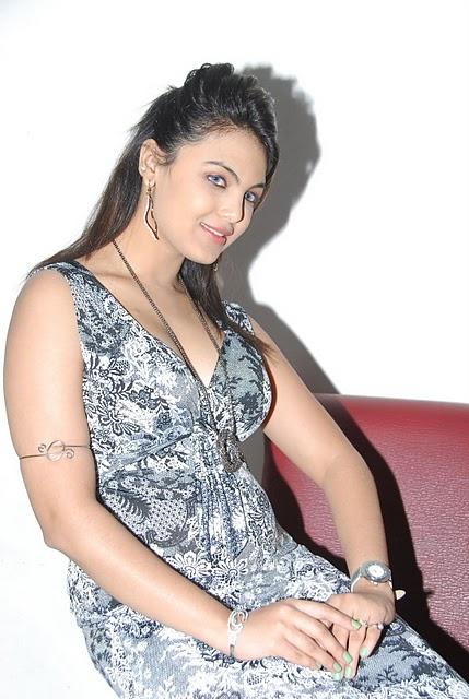 priyanka tiwari tivari latest photos