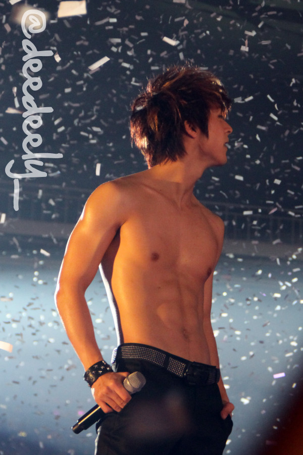 Dongwoon Shirtless Dongwoon getting shirtless