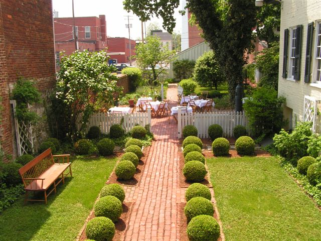 Impressive Simple Small Garden Design Ideas 640 x 480 · 93 kB · jpeg