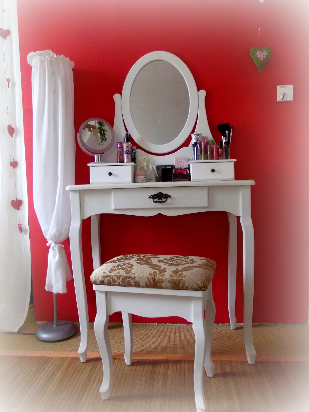 things for princess august 2011. Black Bedroom Furniture Sets. Home Design Ideas