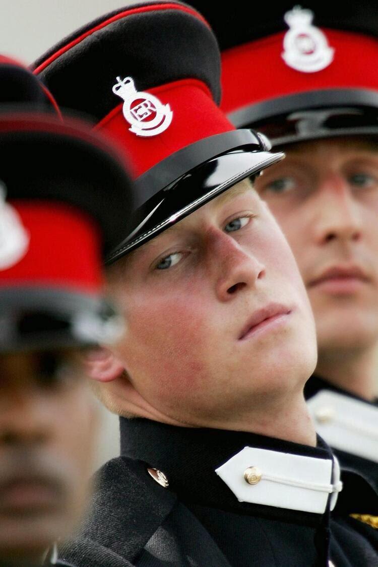 принц Гарри Сандхерсте, Великобритания